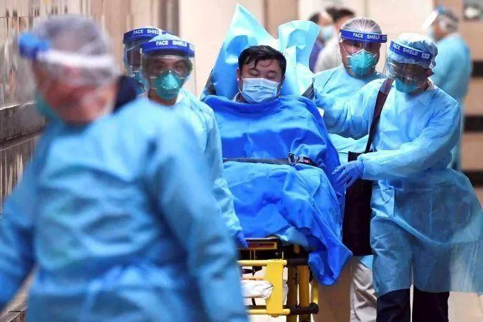 澳洲医生拒绝给病人做核酸检测!原因是,没有口罩了~